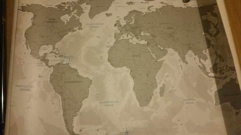 I got a world map of my boyfriend for Christmas. You can scratch the places where you've already been, it's my favorite present and the perfect travel wishlist!