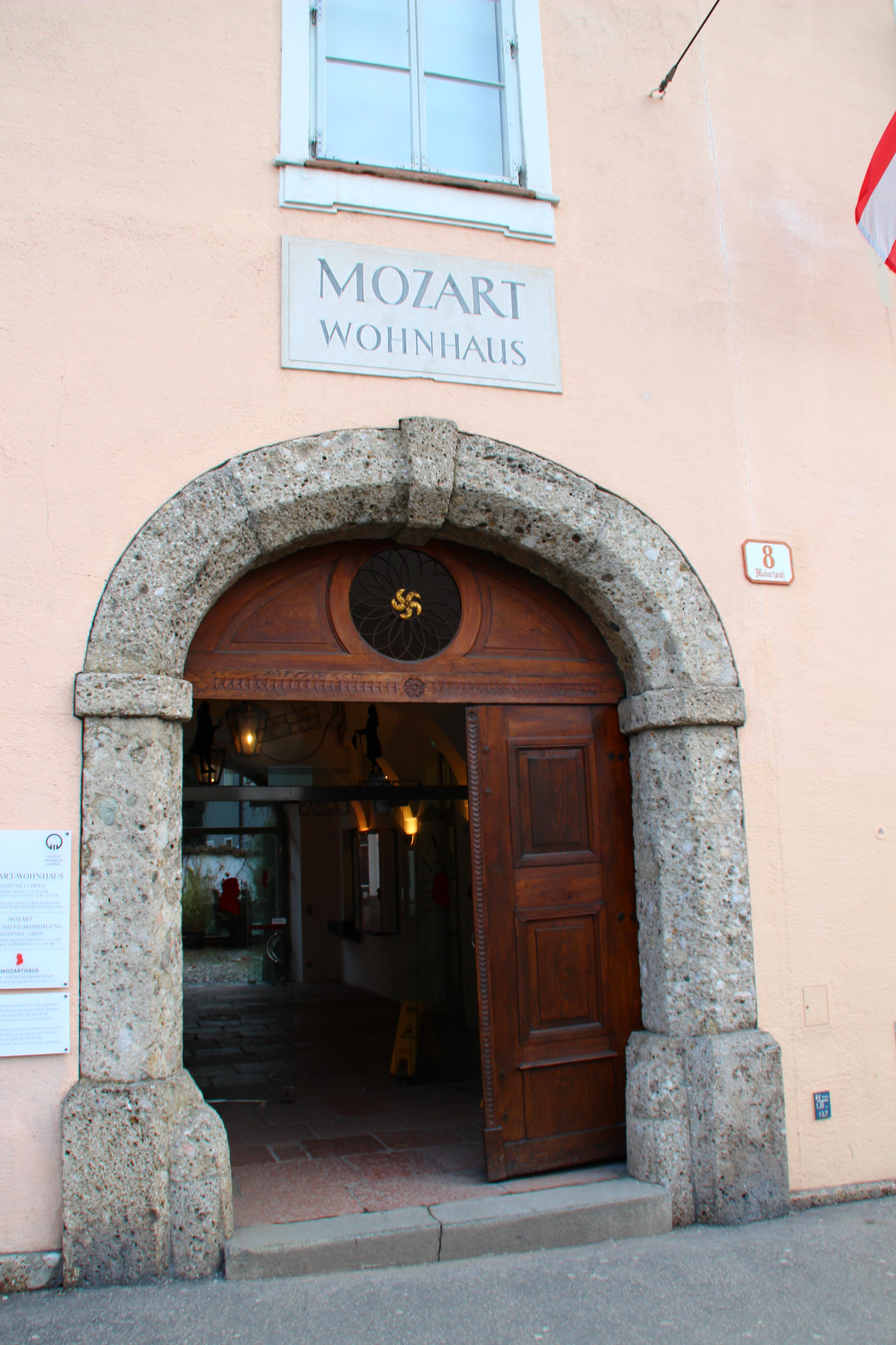 """Salzburg - Mozarts Wohnhaus (Museum """"Mozarteum"""")"""